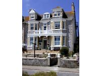 Studio Flat in Perranporth, self contained, furnished, spacious with Kitchenette