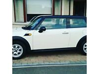 Stunning 2011 Mini Cooper with very very low mileage for sale. Full service history & motd