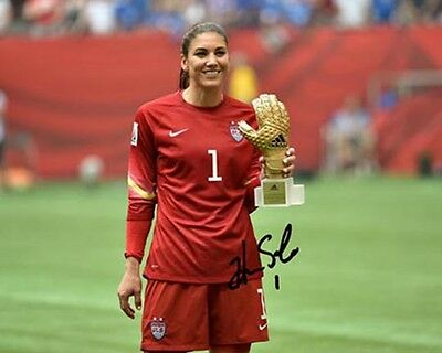 Hope Solo US Womens Soccer 2015 World Cup Champions Signed 8X10 Photo Rp Goalie Us Womens Soccer 8x10 Photo
