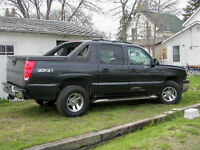 2003 Chevrolet Avalanche Crew Cab 4x4 Loaded - Reduced!