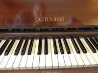 Eungblut upright piano