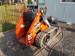 Thomas 25GT Mini Skid Steer and Attachments