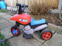 CHILDS BATTERY OPERATED MOTOR BIKE SUITABLE FOR 2 TO 4 YEARS
