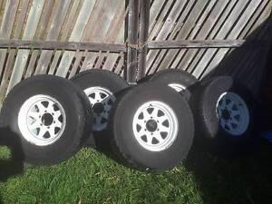 "Genuine Nissan 15"" Sunraysia Style Rims & Tyres x 5 Alexandra Hills Redland Area Preview"