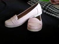 Girls pale pink patent loafer shoes size 3
