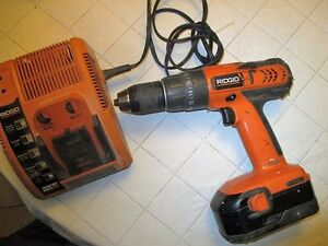 Rigid Drill 18 v and charger no battery