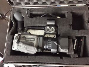 Sony DSR PD170 Professional Quality Video Camera for Sale