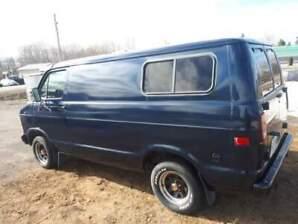 dodge van d200 1979 v8 prend échange