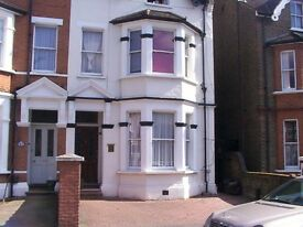 £750 Per Month Double Studio Ground Floor near Ealing Broadway All Bills Included