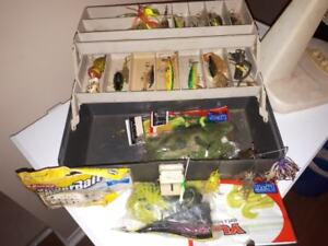 FOR SALE TACKLE BOX FULL $40