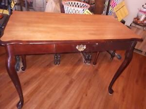 FOR SALE HALL TABLE NO MARKS OR SCRATCHES