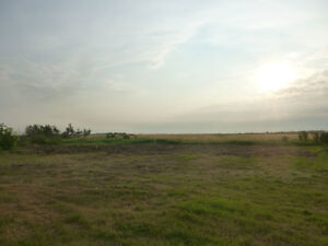 10 Acres, 3 minutes from Rosthern