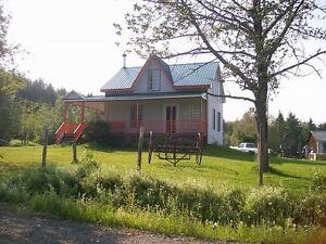 Grande fermette a vendre 1110000 pc 23 acres 336366 metre carré
