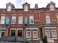 Double room available Botanic area Belfast 4 bedroom flat shared facilities £230/month rent