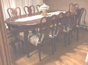 GIBBARD MAHOGANY DINING ROOM SET