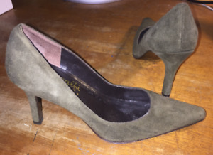 Vintage Amalfi by Rangoni All Leather Suede Heels -Made in Italy