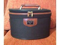 Antler Vintage vanity case Green