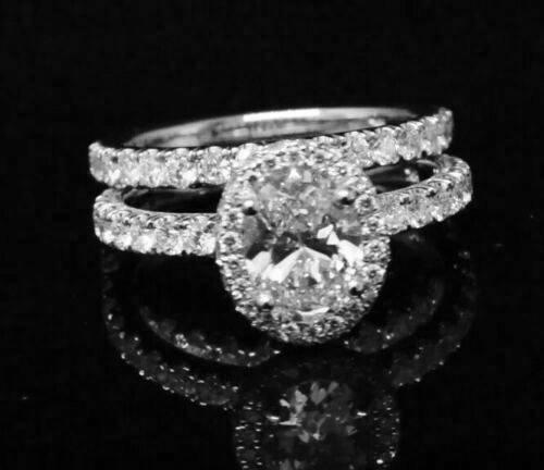 2.50 Ct Halo Oval Cut Diamond Pave Engagement Ring & Matching Band E,VS2 GIA 18K