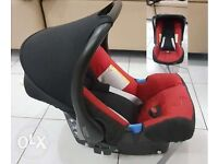 Britax-Baby-Safe-Car-Seat with Britax isofix base very clear condition