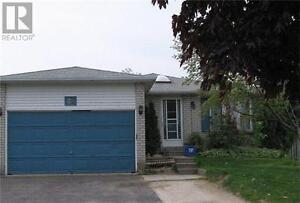 25 Hickling Tr Barrie Ontario Great  Home for sale!