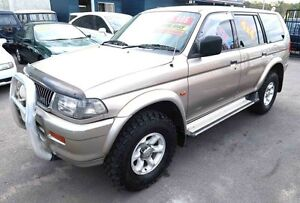 2000 Mitsubishi Challenger PA (4x4) Gold 5 Speed Manual 4x4 Wagon Underwood Logan Area Preview