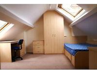 £304 PCM 5 BEDROOM HOUSE - ESTCOURT TERRACE, HEADINGLEY