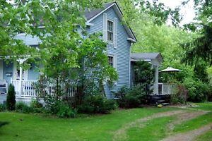 Quaint Country Home -15 min from London Hyde Park London Ontario image 9