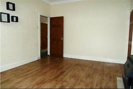 Large well presented 3 bedroom flat available for rent NOW.