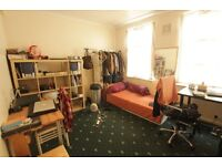 WELL PRESENTED 2 BEDROOM PROPERTY IN THE HEART OF N16!!