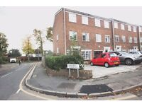 FOUR BEDROOM HOUSE IN EXCELLENT LOCATION - NEAR EAST FINCHLEY STATION-GREAT LINKS TO THE CITY@@
