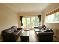 FOUR BEDROOM FLAT WITH A GARDEN AND THREE BATHROOMS IN FINSBURY PARK N4