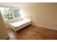 BEAUTIFUL TWO BEDROOM FLAT AVAILABLE IN BOUNDS GREEN-CLOSE TO TUBE STATION-A MUST SEE@@