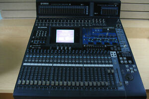 Console Yamaha 02R96 Version 2 + Meter Bridge + 4X MY8AE96 Card