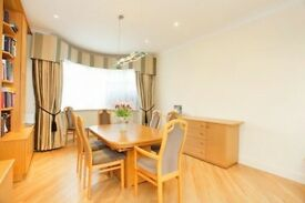 -----AMAZING, 5 BEDROOM HOUSE IN GOLDERS GREEN, AVAILABLE NOW------