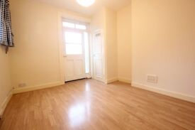 **SPACIOUS 1 BEDROOM FLAT - HORNSEY HIGH STREET, N8 - AVAILABLE FEB - 50% OFF ADMIN FEES!!! QUICK**