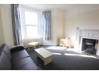****DSS WELCOME***A LARGE TWO BEDROOM FLAT IN CROUCH END N8