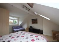 Large single room in Durlsey for weekly rent