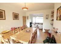LOVELY THREE BED HOUSE WITH GARDEN CROUCH END!!!! BE QUICK