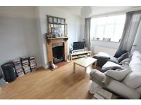 MUST SEE Spacious 3 bedroom maisonette with 2 bathrooms and private garden!! BROOKMANS PARK