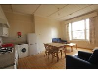 ***3 BEDROOM GARDEN FLAT - COMMUNAL GARDENS - ALL DOUBLE BEDROOMS**AVAILABLE NOW BE QUICK***