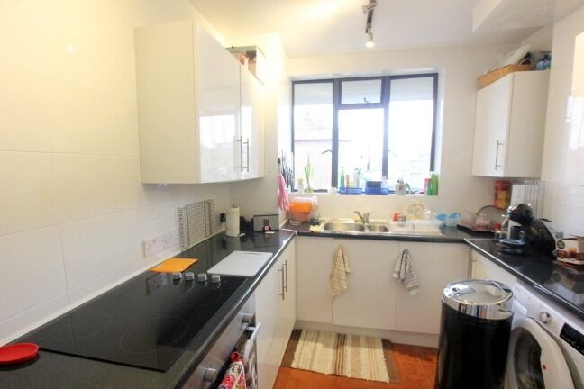 **** BEAUTIFUL 2 BED FLAT IN ISLINGHTON ****