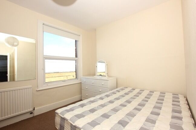 Stunning 1 bedroom located in N8!! MUST VIEW MUST VIEW MUST VIEW!