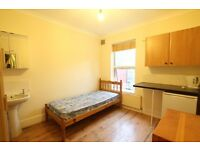 SELF CONTAINED STUDIO APARTMENT IN TURNPIKE LANE