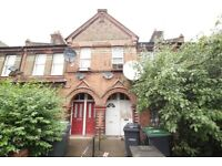 **DSS WELCOME** A THREE BEDROOM FLAT WITH GARDEN WOOD GREEN N22