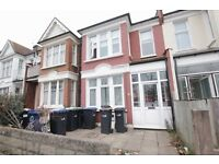 @@STUNNING 3 BEDROOM FLAT AVAILABLE IN BOUNDS GREEN-A MUST SEE- CALL NOW TO VIEW@@