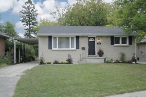 Beautiful 3 Brm Bungalow w/ Nanny's suite in scenic Port Whitby