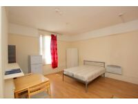 DSS WELCOME Beautiful self contained studio flat close to SEVEN SISTERS