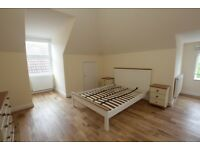**COSY 2 DOUBLE BEDROOM FLAT MINUTES TO BOWES PARK STATION** **BE QUICK**
