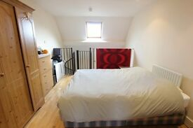 Beautiful split level 1 bedroom flat *SO CLOSE TO LOCAL AMENITIES** **DISCOUNT ON ADMIN FEES**