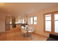 MODERN 1 BEDROOM FLAT **PALMERS GREEN** OPEN PLAN, BALCONY, WOODEN FLOORS **NO ADMIN FEES**